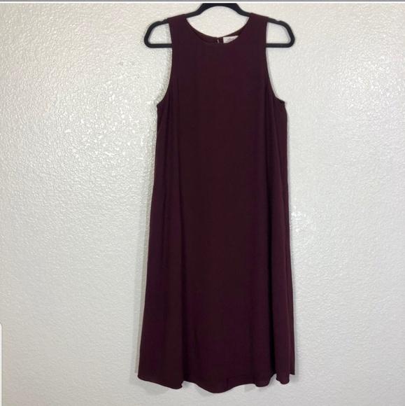 Aritzia Dresses & Skirts - Wilfred Aritzia Sleeveless Shift Dress